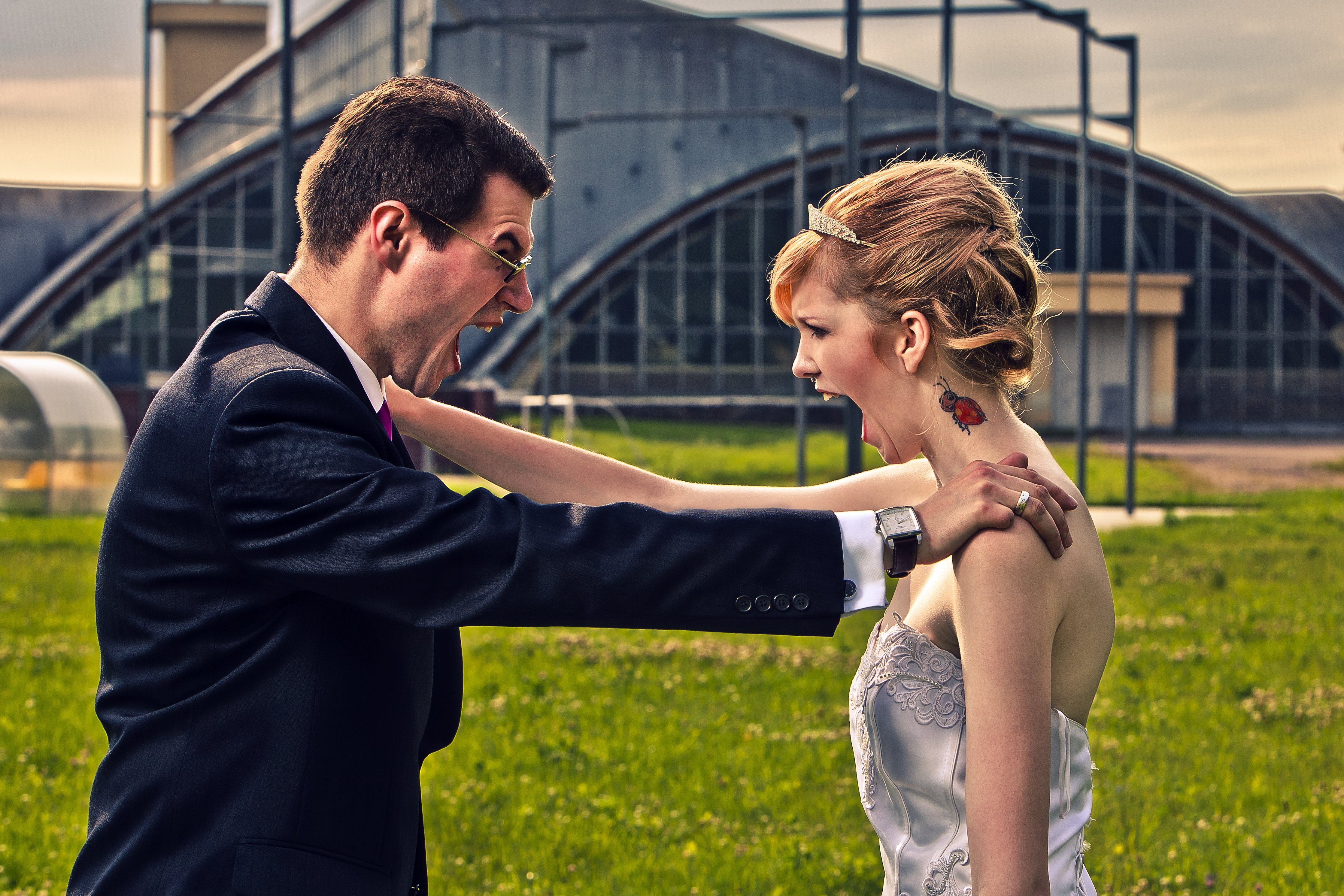 How couples can keep wedding stress in check